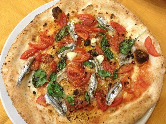 Pizzeria Vigliena Particolare , Marinara rivisitata, con filetto di  pomodoro, alici fresche del