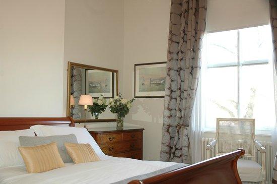 3 Princes Street: Goose Grey King Double en-suite room