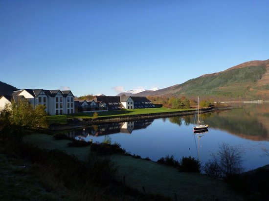 Isles of Glencoe Hotel & Leisure Centre: View of hotel from road on way in. Would struggle to find a more stunning location.