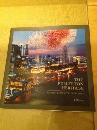 The Fullerton Hotel Singapore: brochure interna
