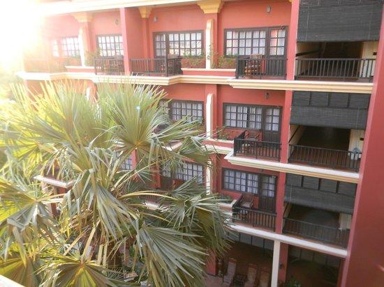 Apsara Holiday Hotel: Вид  из номера.