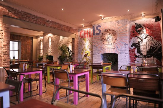 Zapatista Burrito Bar: Upstairs seating area with over 40 seats