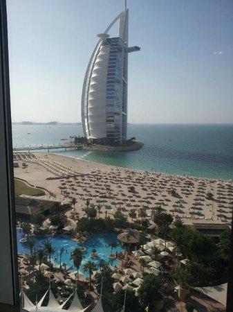 Jumeirah Beach Hotel: Utsikt fra rommet i 13 egt.