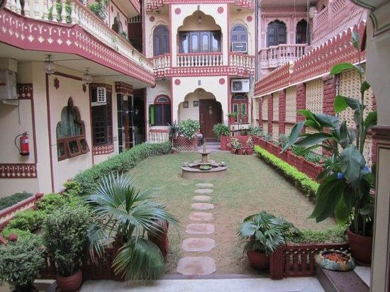 Umaid Bhawan Heritage House Hotel: view of one area of hotel