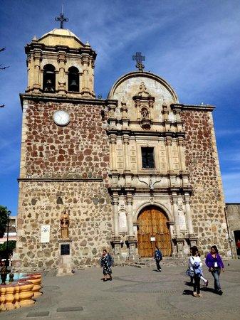 Tequila Tours: Taquila town church