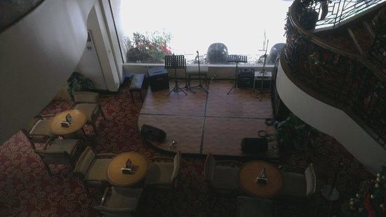 Berjaya Makati Hotel - Philippines : Music floor for live band