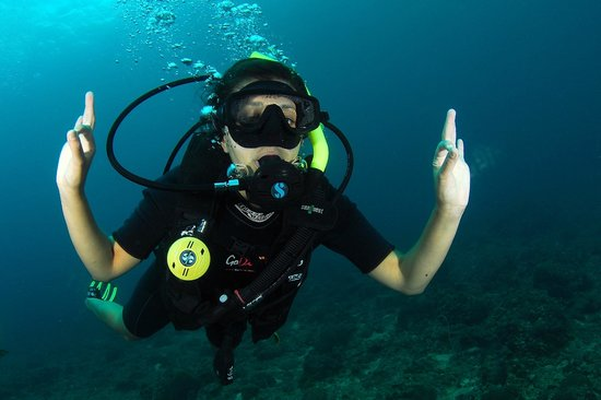 Go Dive Lanta: Happy diver
