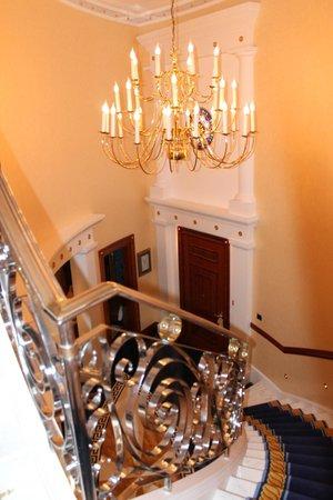 Burj Al Arab Jumeirah: лестница в спальню