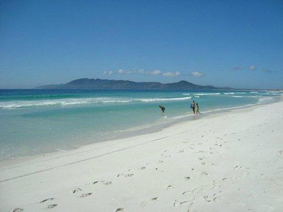 Pousada Laguna: Playa frente al hotel
