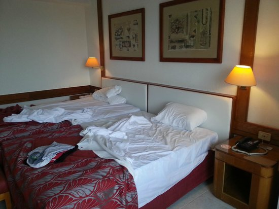 Tryp Habana Libre: enorme cama