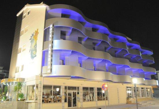 Hotel Aleluia: Iluminação da fachada