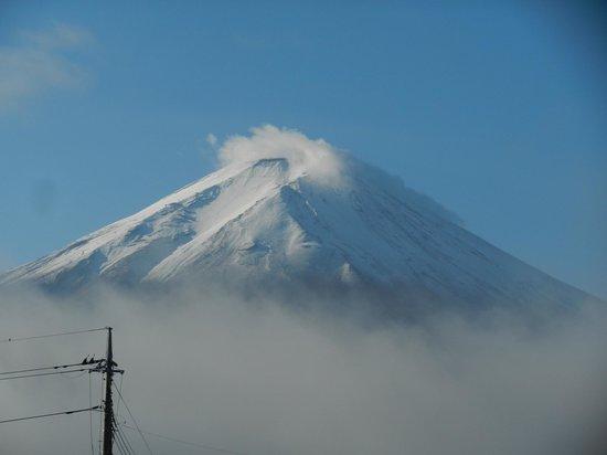 Kawaguchi lake business & resort Sawa Hotel: Mt.Fuji! nice!!