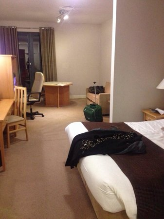 Great National South Court Hotel: Spacious room