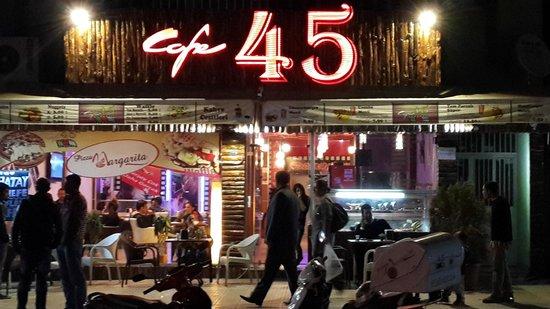 cafe45