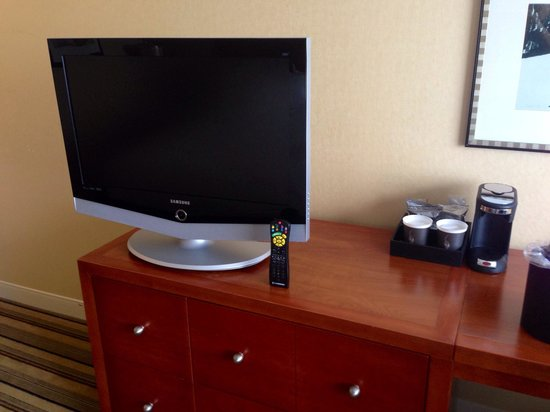 Hyatt Regency Pittsburgh International Airport: Room 1126 TV