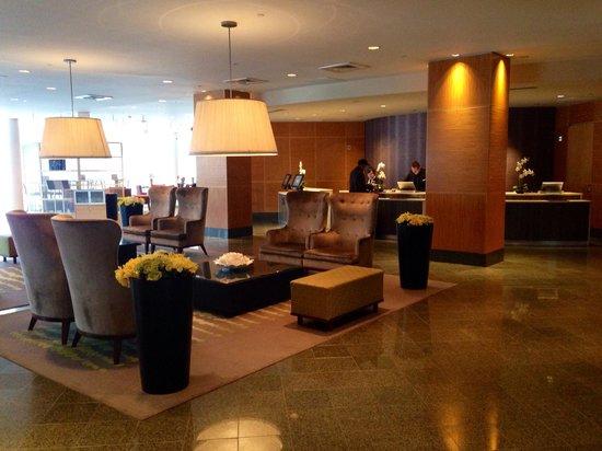 Hyatt Regency Pittsburgh International Airport: Main lobby