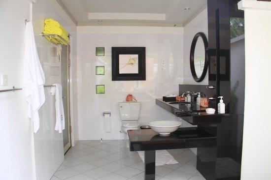 Angsana Ihuru: ванная комната