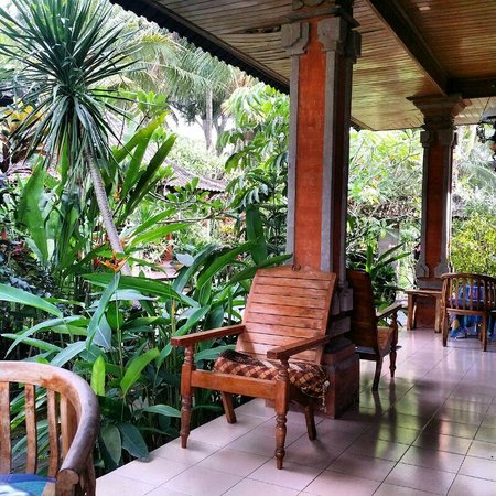 Nirwa Ubud Homestay : Your Patio and Chill out area