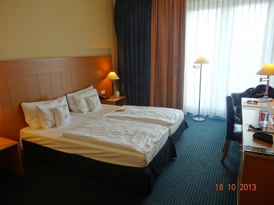Best Western Premier Hotel Park Consul Koeln: Our Room