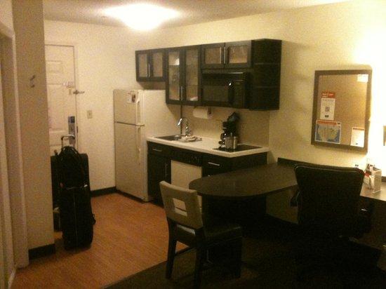 Candlewood Suites Jersey City : Entrada e cozinha