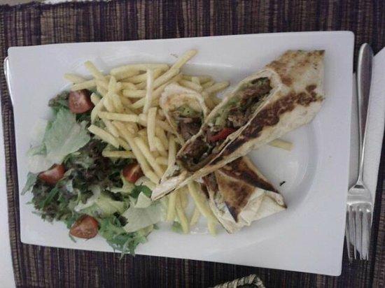 The Qantin restaurant cafe: tadına doyamadığım et wrap