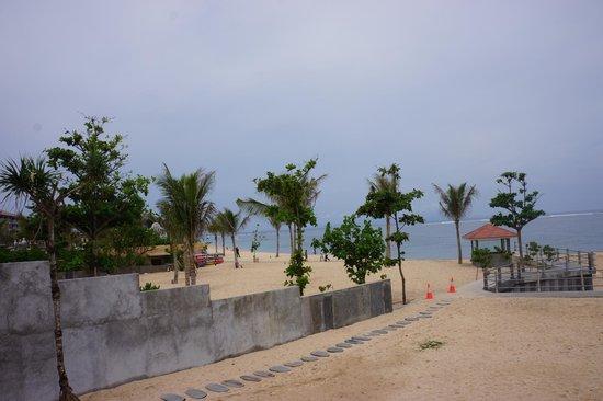 Nusa Dua Beach Grill : Beach view