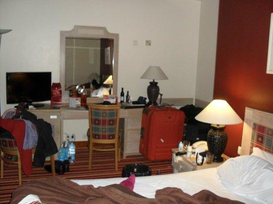 Hotel Mundial: Quarto do Hotel (vista pacial)