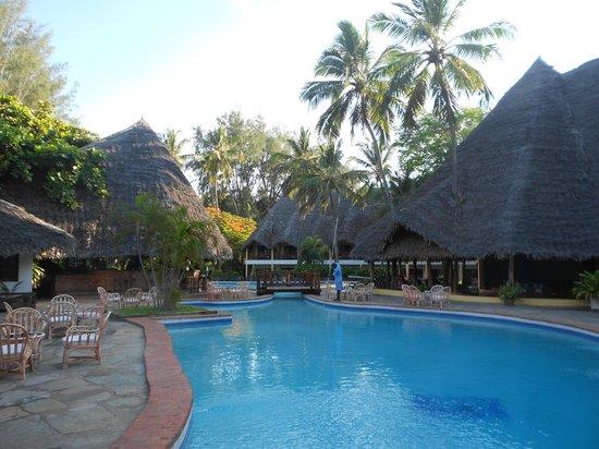 Blue Bay Village: la piscina