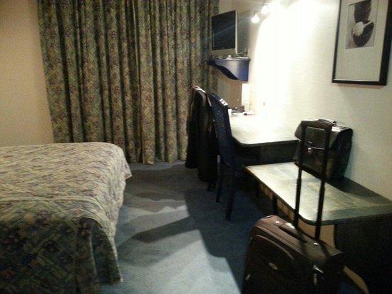 La Flambee Hotel-Restaurant : Chambre 106
