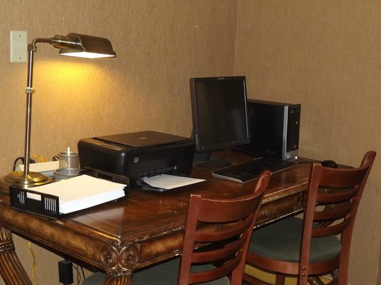 Baymont Inn & Suites Boone Near APP State : Business Center