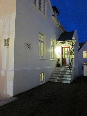 Reykjavik Residence Hotel: front entry