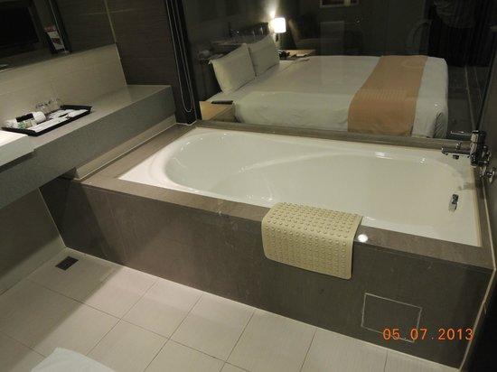 Urban Hotel 33: Chic Section - Business Single Room-Bathtub