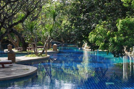 Khum Phaya Resort & Spa, Centara Boutique Collection: Pool area