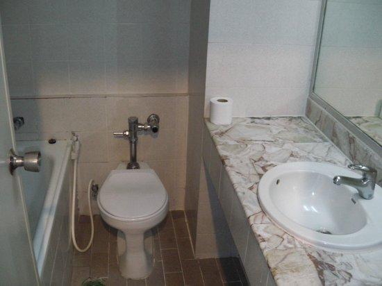 Watana Mansion: バスルーム