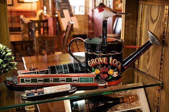 The Grove Lock: Historic interior