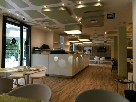 Room Mate Pau: Breakfast Area