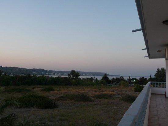 Kathara Bay Apartments: Panorama dall'entrata dell'appartamento
