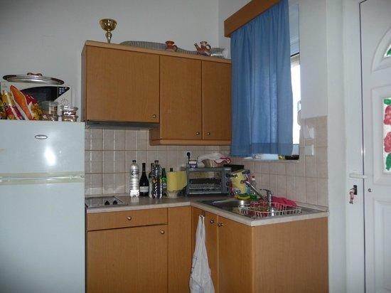 Kathara Bay Apartments: Cucina