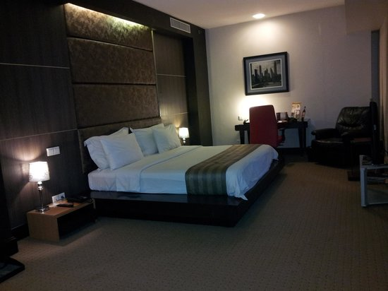 Manhattan Hotel: the bedroom in manhattan suite