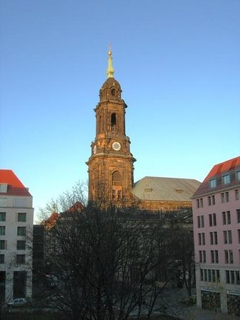 Holiday Inn Express Dresden City Centre : View of Kreuzkirche from my room at back of hotel