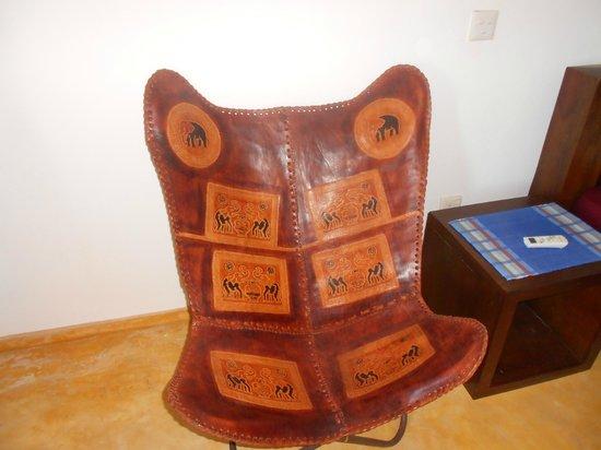 Mini-Hotel VillaWatuna: Очень удобное кресло)