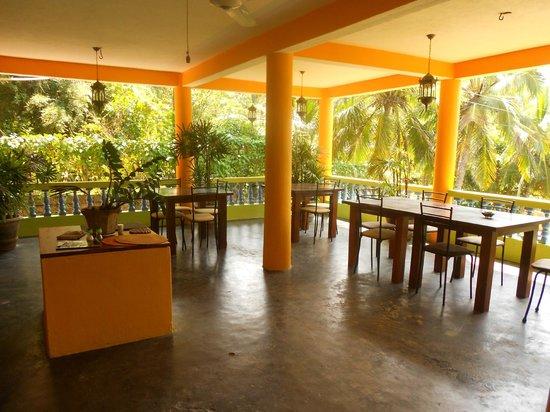 Mini-Hotel VillaWatuna : Обеденная зона