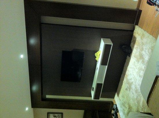 Skylark Hotel: Room