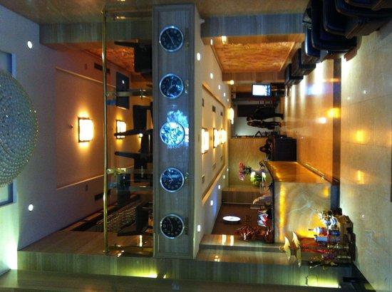 Skylark Hotel: Reception
