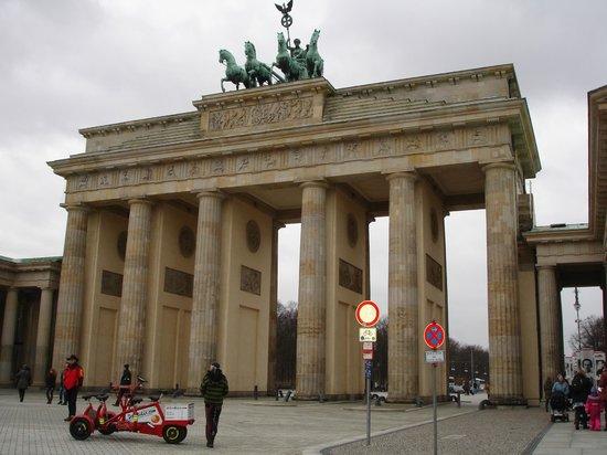 Hotel Abendstern : Бранденбургские ворота