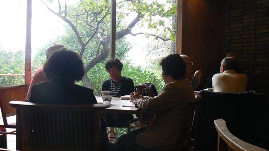 Innsyoutei: テーブル席