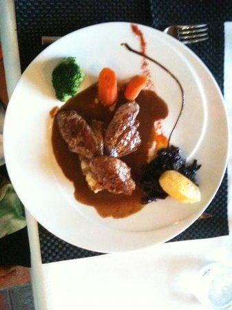 La Lucarne aux Chouettes : filets de faisan sauce poivrade