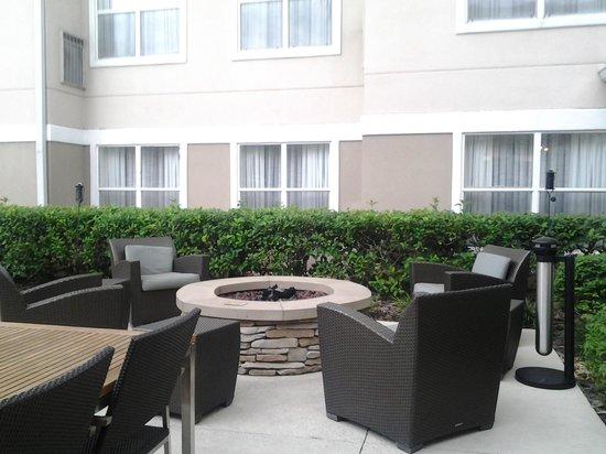 Residence Inn Tampa Sabal Park/Brandon: Fire pit
