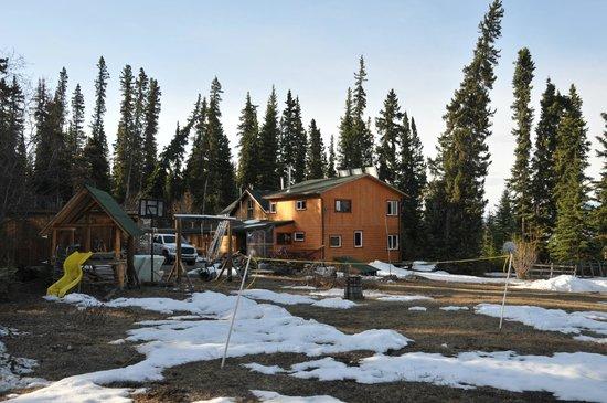 Little Atlin Lodge: Nachbar House