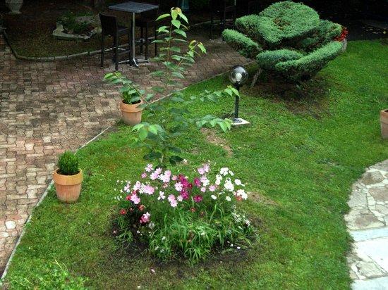 Hotel d'Angleterre: Jardin